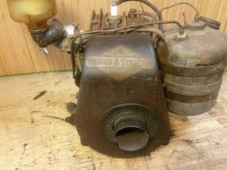 Antique Vintage Briggs & Stratton Model UR - 6 Engine Gas Motor Rare 7