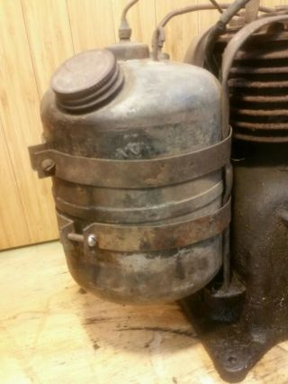 Antique Vintage Briggs & Stratton Model UR - 6 Engine Gas Motor Rare 8