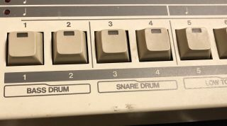 Roland TR - 909 Rhythm Composer Analog Drum Machine TR909 TR 909 Vintage 2