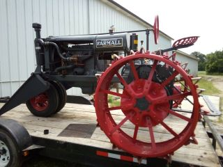 1930 Farmall Tractor Gorgeous Vintage Includes Front loader 4