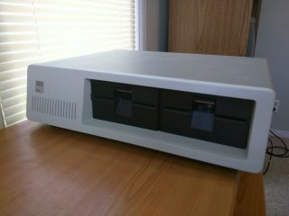 Vintage Ibm 5150 Pc.  Immaculate Power On And.