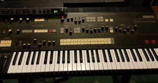 Yamaha Cs70m Vintage Synthesizer