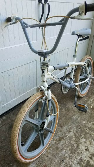 1986 Skyway Street Beat - 100 OG BMX Freestyle Vintage Retro Survivor 8