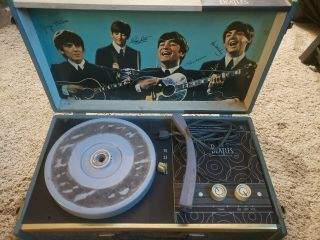 The Beatles Record Player' U.  S 1964 Model 1000 4 Speed Phonograph Rare