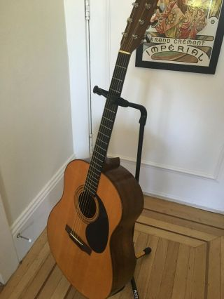 Gurian Workshops Vintage Hand - Crafted Acoustic Guitar. 3