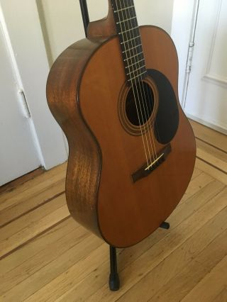 Gurian Workshops Vintage Hand - Crafted Acoustic Guitar. 4