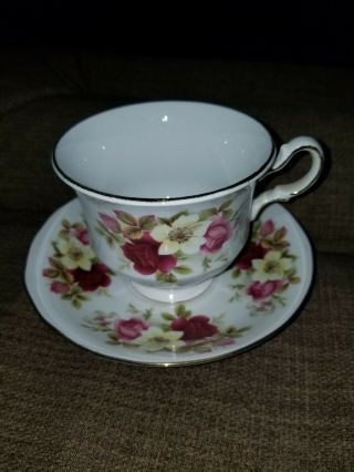Queen Anne Tea Cup And Saucer Made In England Floral Pink Patter