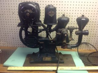 Antique Automatic Electric Monarch Water System Hit And Miss Engine