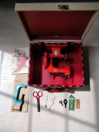Rare 1953 Red Singer Sewhandy Model 20 Sewing Machine With Case,  Book,  Needles