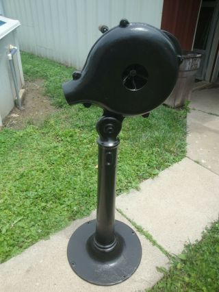 Champion Blower & Forge Antique Blacksmith Forge No.  4 With Cast Iron Base