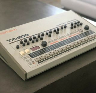 Roland Tr - 909 Rhythm Composer Analog Drum Machine Tr909 Tr 909 Vintage