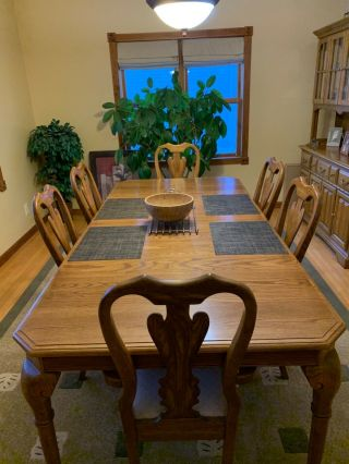 Oak Dining Room Set - Vintage Heritage Style - Table,  Chairs And Matching Hutch