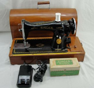 Vintage Singer Electric Sewing Machine Model 15 - 91 1940