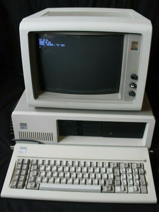 Ibm Vintage Desktop Pc / 5160 Personal Computer,  Cga 5153 Monitor,  Keyboard