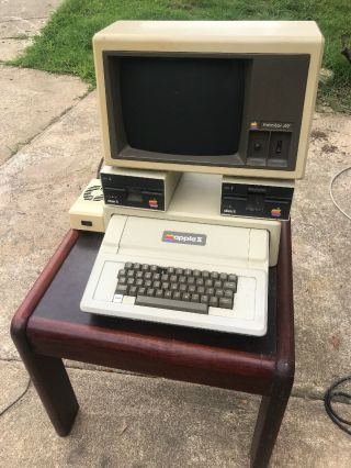 Vintage Apple Ii Computer