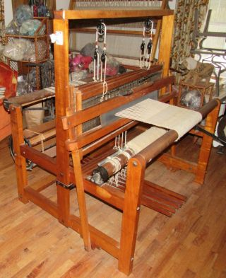 Rare Vintage Antique Maple Cambridge 4 Weaving Loom - Museum Quality &