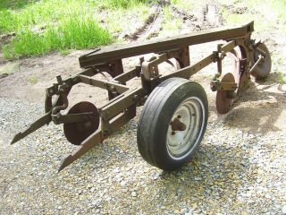 Vintage Ih Mccormick Farmall 400 450 460 Tractor - 3 Bottom Fast Hitch Plow