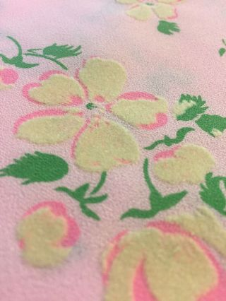 """Vintage 60s 70s Pink Flocked Floral Daisy Fabric 8 1/3 Yards X 44"""" Dress Sewing"""