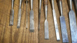 L4156 - Vintage & Antique Wood Chisels - Woodworking tools 2