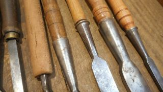 L4156 - Vintage & Antique Wood Chisels - Woodworking tools 5
