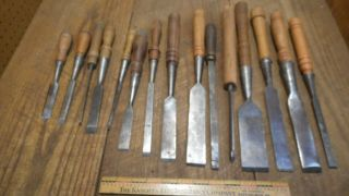 L4156 - Vintage & Antique Wood Chisels - Woodworking tools 8