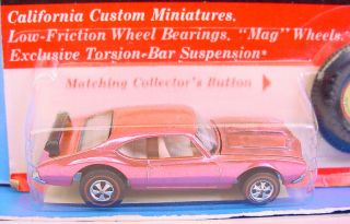 HOT WHEELS REDLINE FACTORY FLAW ' OLDS 442 PINK ?? BASE MINTY CARDED 2